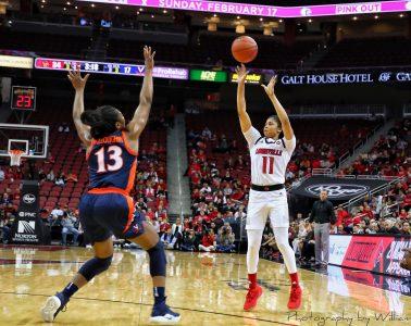 Arica Carter Louisville vs. Virginia 1-17-2019 Photo by William Caudill TheCrunchZone.com