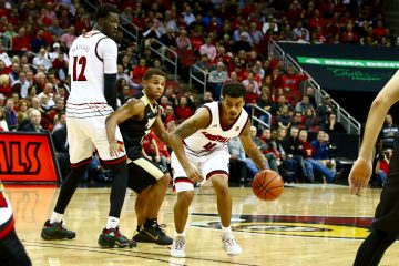 Quentin Snider, Mangok Mathiang Louisville vs. Purdue 11-30-2016 Photo by William Caudill TheCrunchZone.com