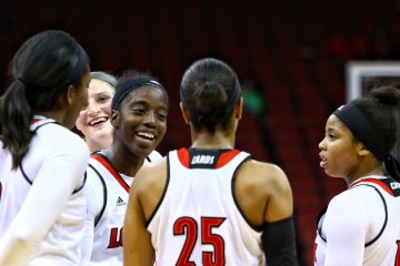 Myisha Hines-Allen, Sam Fuehring, Jazmine Jones, Asia Durr, Arica Carter Louisville (WBB) vs. Oregon 11-19-2017 Photo by William Caudill TheCrunchZone.com