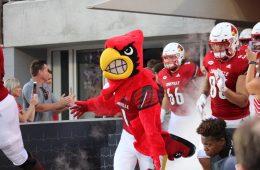 Louie Louisville vs. Western Kentucky 9-15-2018 Photo by Torrin Madden, TheCrunchZone.com