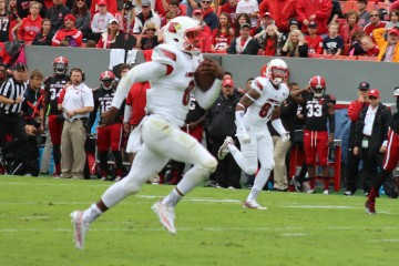 Lamar Jackson Louisville vs. NC State 10-3- 2015 Photo by Mark Blankenbaker