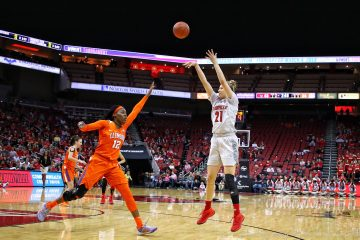 Kylee Shook Louisville vs. Clemson 2-7-2018 Photo by William Caudill, TheCrunchZone.com
