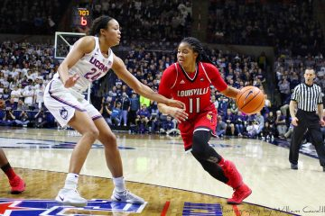 Arica Carter Louisville vs. UCONN 2-12-2018 Photo by William Caudill, TheCrunchZone.com