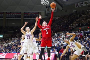 Sam Fuehring Louisville vs. UCONN 2-12-2018 Photo by William Caudill, TheCrunchZone.com