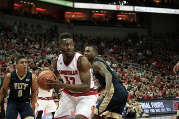 Chinanu Onuaku Louisville vs. Pittsburgh 1-14-2016 Photo by William Caudill