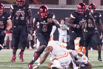 Lamar Jackson Louisville vs. Clemson 9-16-2017 Photo by Cindy Rice Shelton, TheCrunchZone.com