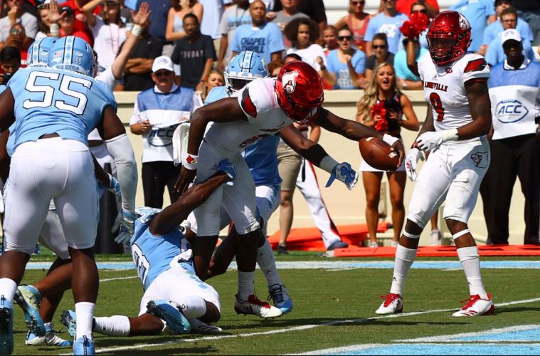 Lamar Jackson Touchdown Louisville Football vs. North Carolina 9-9-2017 Photo by Cindy Rice Shelton, TheCrunchZone.com