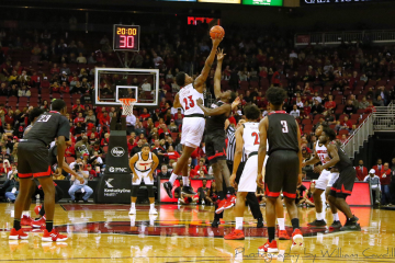 Tipoff Louisville vs. Nicholls State 11-8-2018 Photo by William Caudill, TheCrunchZone.com