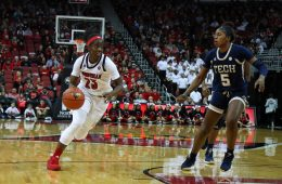 Jazmine Jones Louisville vs. Georgia Tech 1-13-2019 Photo by William Caudill TheCrunchZone.com