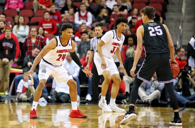 Dwayne Sutton, Louisville vs. Central Arkansas 12-5-2018 Photo by William Caudill, TheCrunchZone.com
