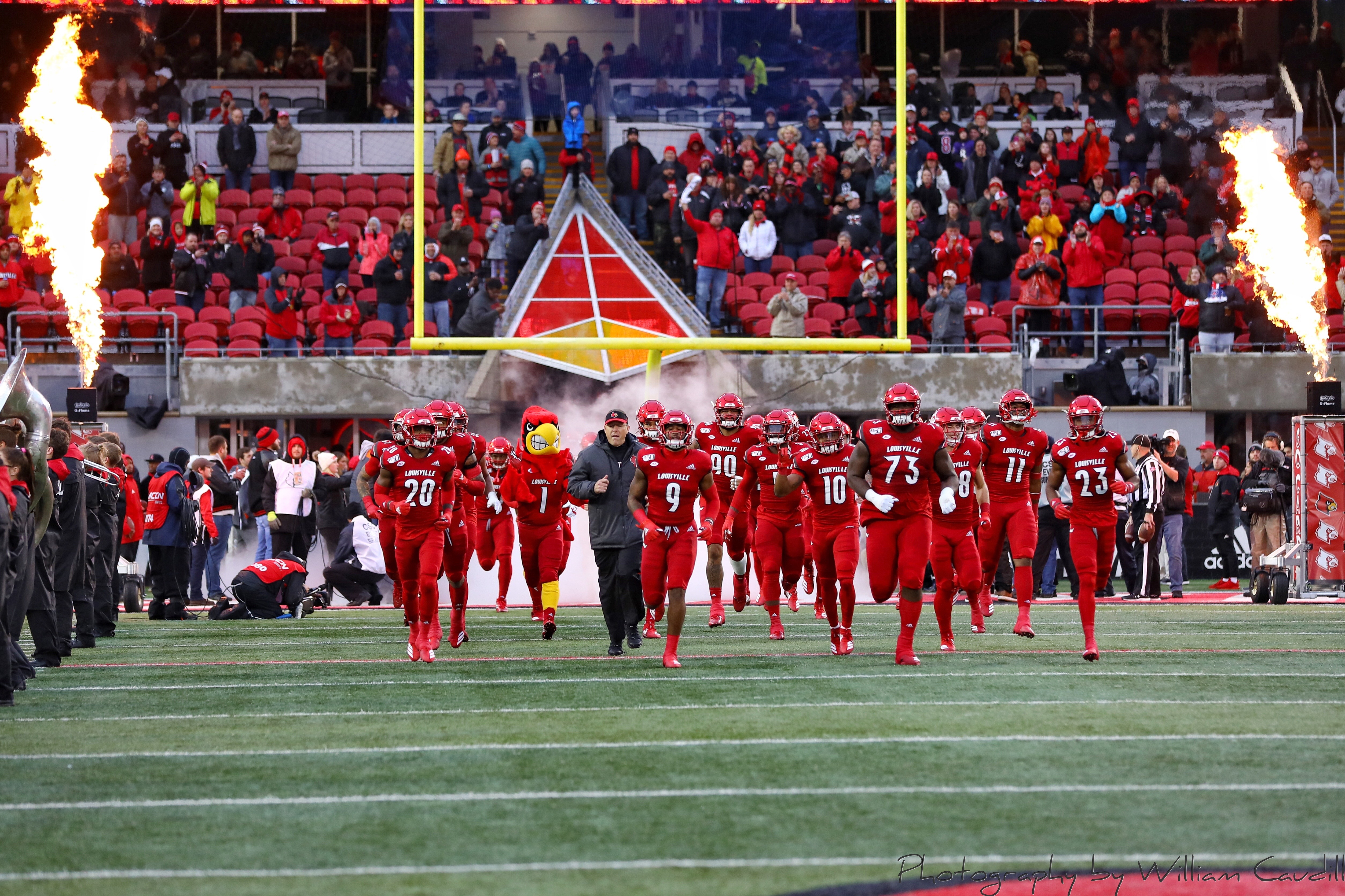 Run out, intro, Louie, Scott Satterfield, Entrance Louisville vs. Syracuse 11-23-2019 Photo by William Caudill, TheCrunchZone.com