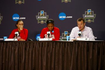 Jeff Walz, Myisha Hines-Allen, Asia Durr Louisville vs. Baylor NCAA Sweet 16 3-24-2017, Oklahoma City, OK Photo by William Caudill