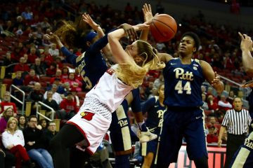 Kylee Shook Louisville vs. Pitt 1-8-2017 Photo By William Caudill TheCrunchZone.com