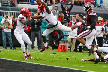 Lamar Jackson, Josh Johnson Louisville vs. Mississippi State Gator Bowl 12-29-2017 Photo by William Caudill, TheCrunchZone.com