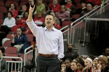 Jeff Walz Louisville vs. Virginia Tech 1-7-2016 Photo by William Caudill