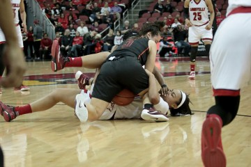 Mariya Moore Louisville vs. Virginia Tech 1-7-2016 Photo by William Caudill