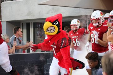 Louie Louisville vs. Western Kentucky 9-15-2018 Photo by Torrin Madden, TheCrunchZone.com