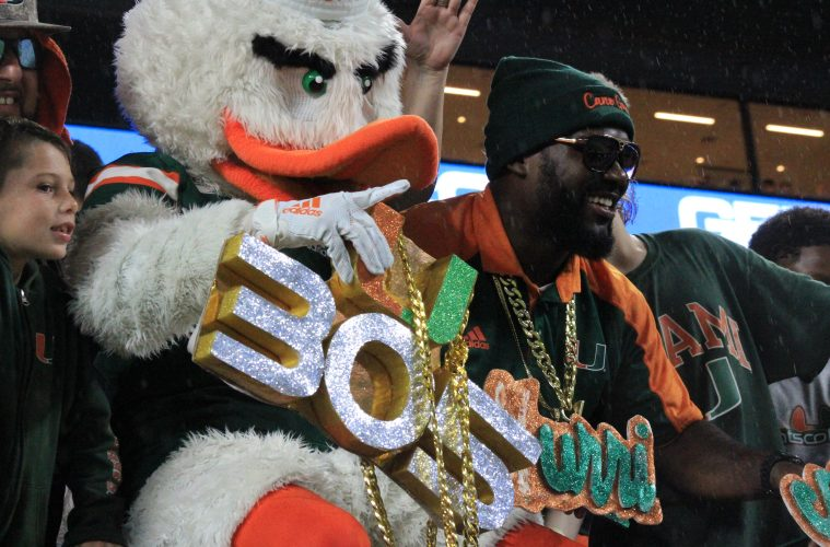 Sebastian the Ibis, Turnover Chain, 305 Louisville vs. Miami 11-9-2019 Photo by Mark Blankenbaker, TheCrunchZone.com