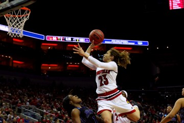 Briahanna Jackson Louisville vs. Central Arkansas 3-18-2016 Photo by William Caudill