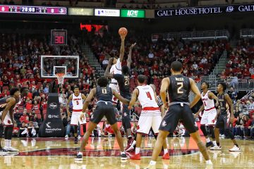 Ray Spalding, tip-off Louisville vs. Florida State 2-3-2018 Photo by William Caudill, TheCrunchZone.com