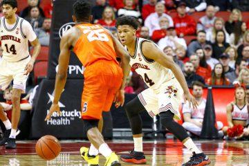 Dwayne Sutton Louisville vs. Syracuse 2-5-2018 Photo by William Caudill, TheCrunchZone.com