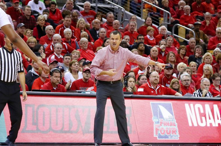 Jeff Walz Louisville vs. Notre Dame 1-11-2018 Photo by William Caudill, TheCrunchZone.com