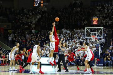 Tip-Off Louisville vs. UCONN 2-12-2018 Photo by William Caudill, TheCrunchZone.com