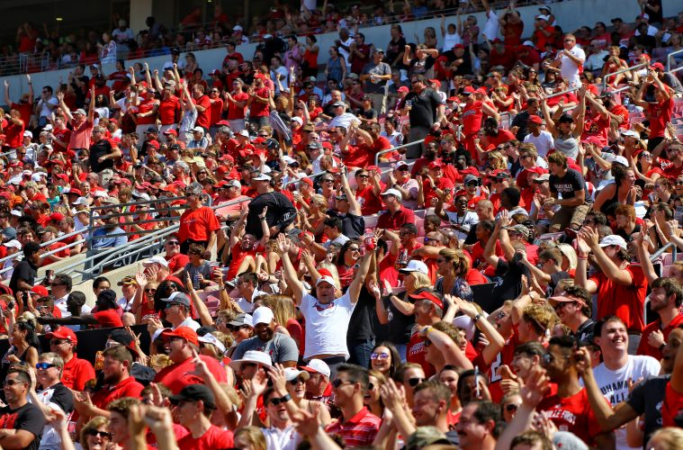 Fans Louisville Football vs. Kent State 9-23-2017 Photo by William Caudill, TheCrunchZone.com