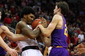 Malik Williams Louisville vs. Lipscomb 12-12-2018 Photo by William Caudill, TheCrunchZone.com