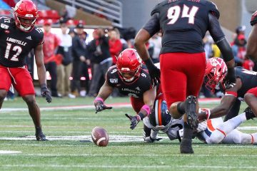 CJ Avery, Marlon Character, GG Robinson Louisville vs. Virginia10-26-2019 Photo by William Caudill, TheCrunchZone.com